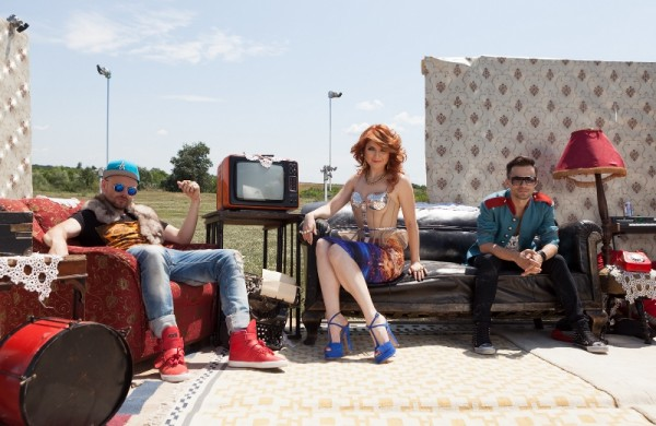 """Crush & Alexandra Ungureanu în timpul filmărilor noului videoclip - """"Iubire de-o vară"""" feat. Glance"""