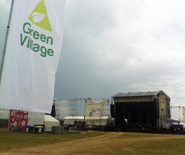 Pregătiri în zona Green Village la B'Estefst 2013