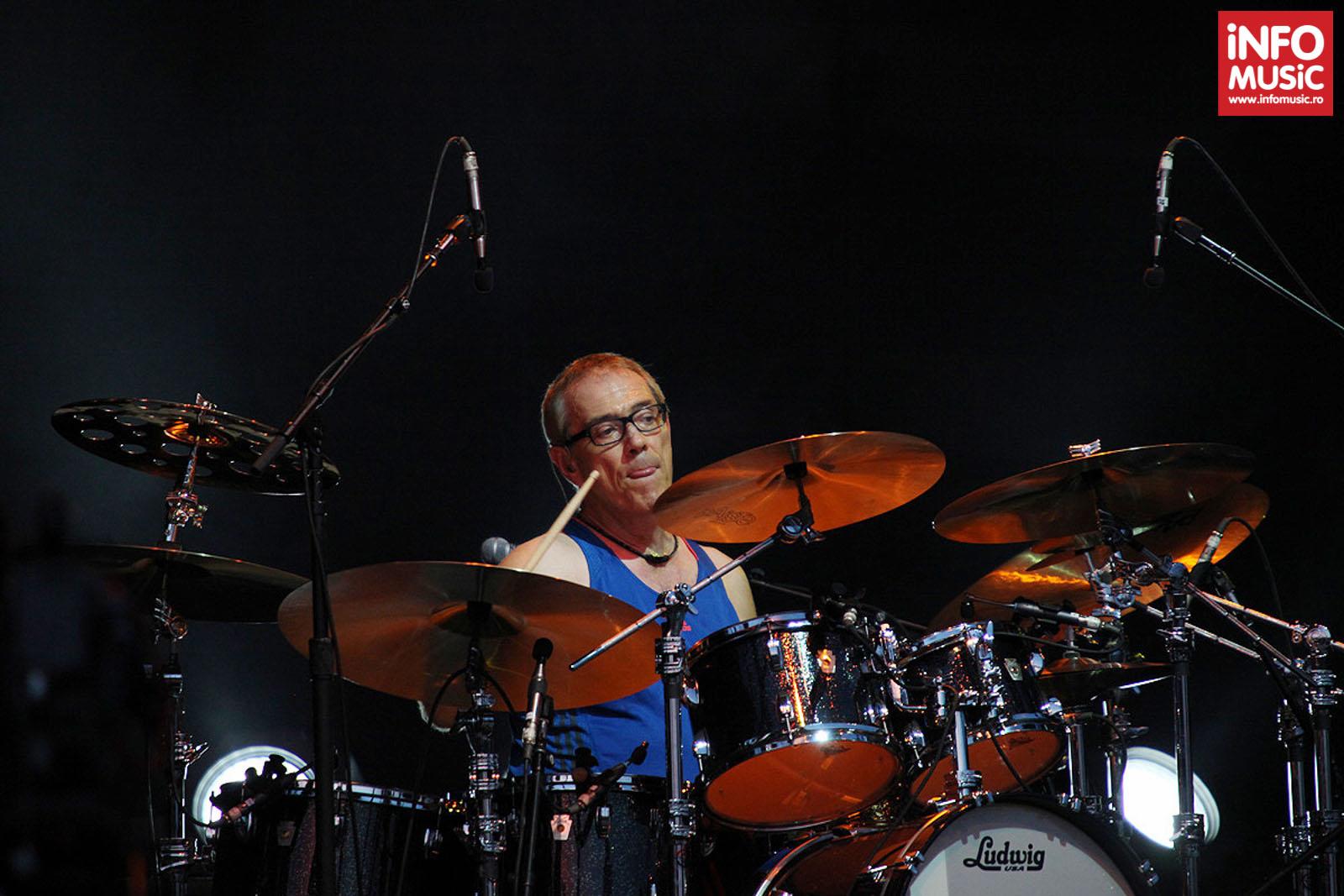 Vincent Colaiuta alături de Sting în concert la București pe 31 iulie 2013