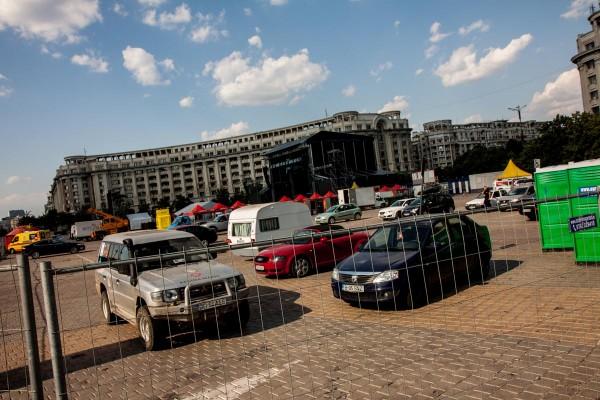 Pregatirile zonei pentru concertul Iron Maiden in Piata Constitutiei