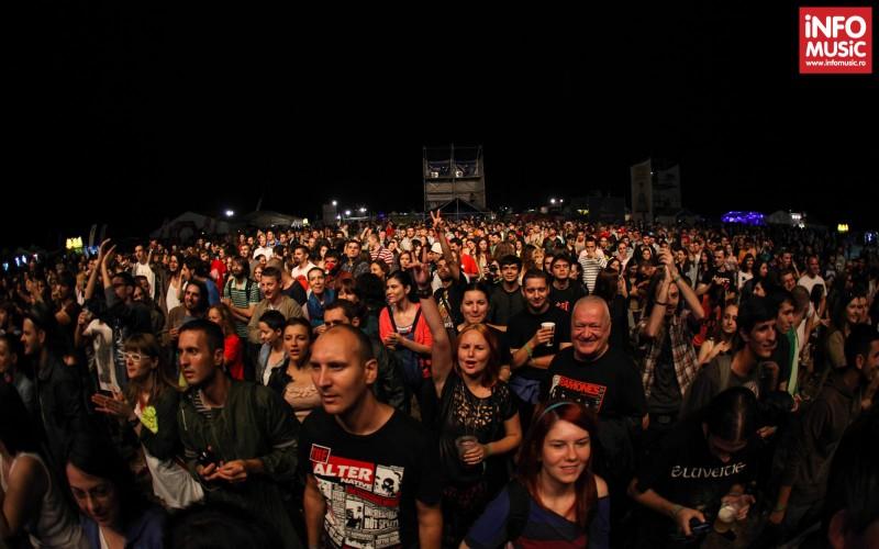 Publicul la concertul The Heavy la BESTFEST 2013 - 5 iulie