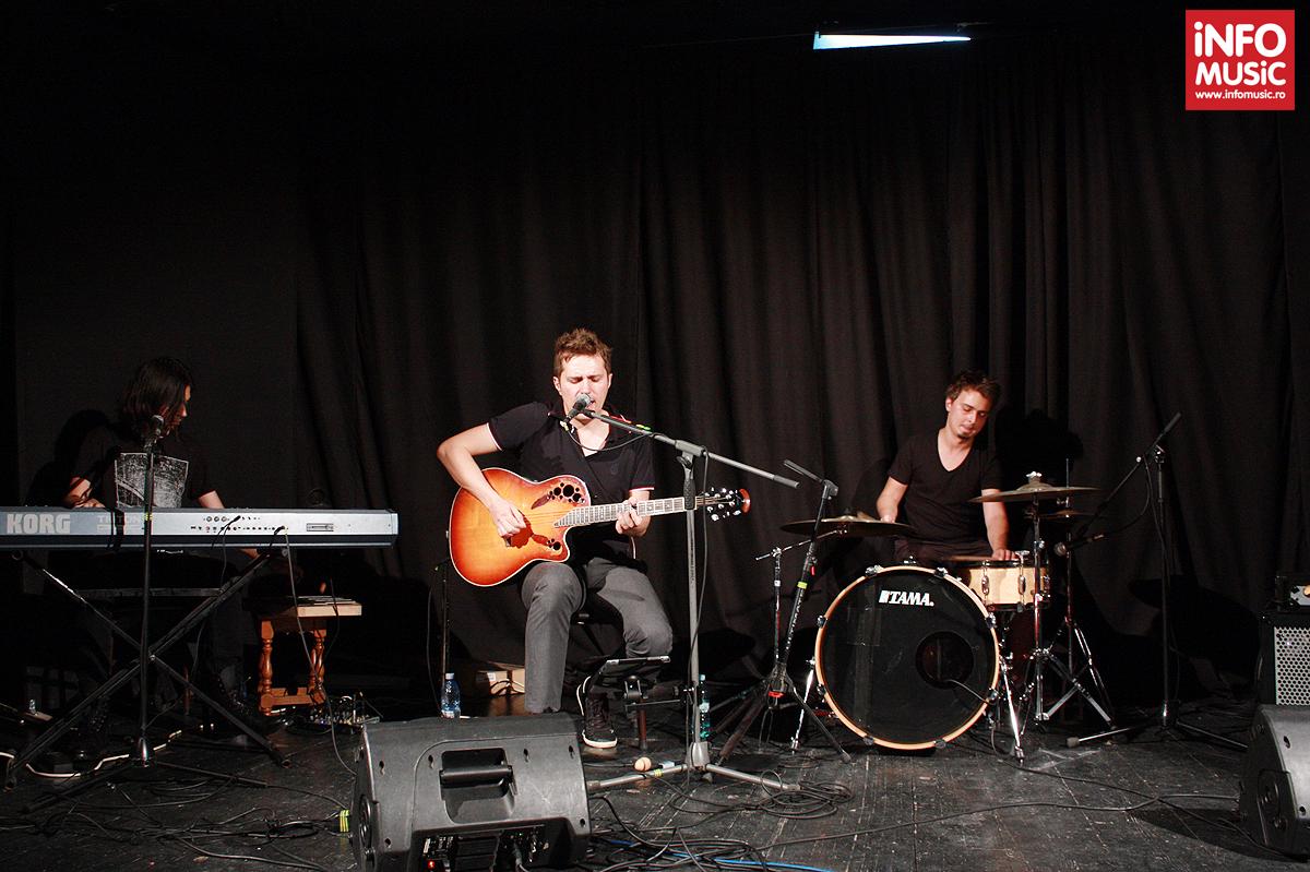 Concert byron acustic la Teatrul de Artă din București, 4 septembrie 2013
