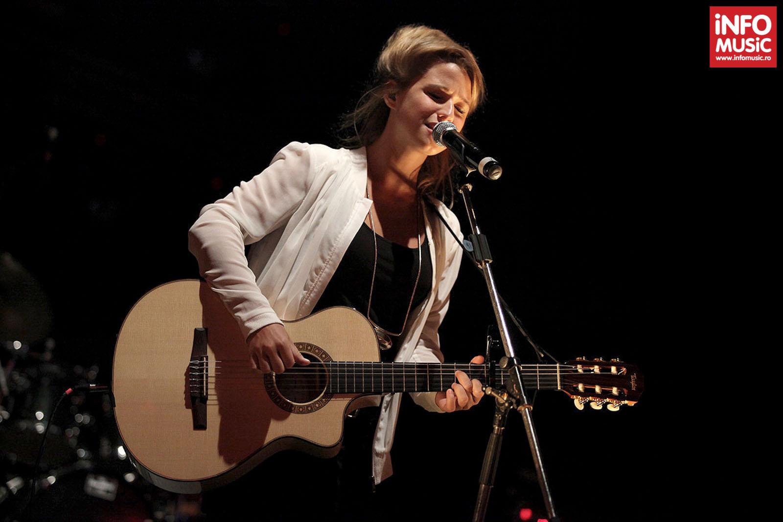 Selah Sue în cel de-al doilea ei concert la București (Arenele Romane, 22 septembrie 2013)