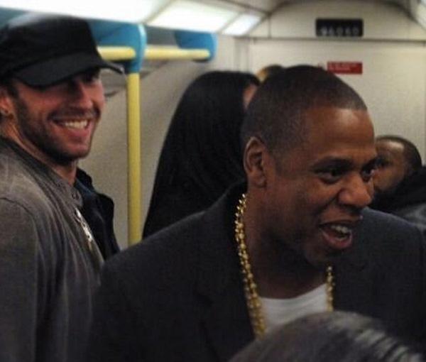 Jay-Z și Chris Martin în metroul londonez