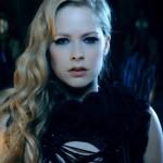 """Avril Lavigne feat, Chad Kroeger - """"Let Me Go"""" (secvență videoclip)"""
