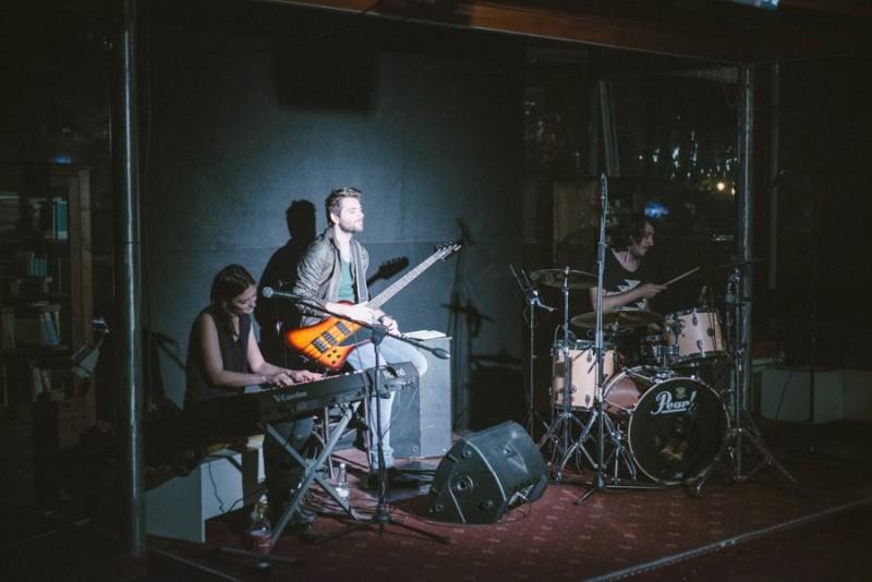 B-side Live