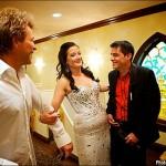 Jon Bon Jovi a îndeplinit visul unei fane și a condus-o la altar în aceeași capelă din Las Vegas în care s-a căsătorit artistul în 1989