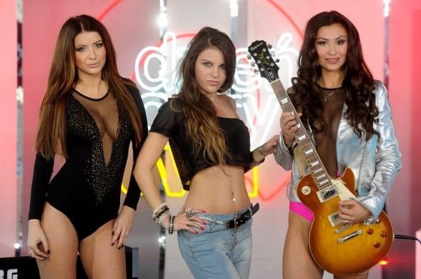 """Artista poloneză Patty a interpretat noul single """"Krzyk"""" împreună cu un fotomodel cunoscut din Polonia"""