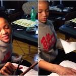 Rihanna s-a tatuat prin metoda tradițională Maori