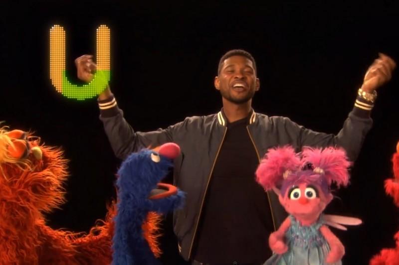 Usher interpretează cântecul alfabetului în emisiunea Sesame Street