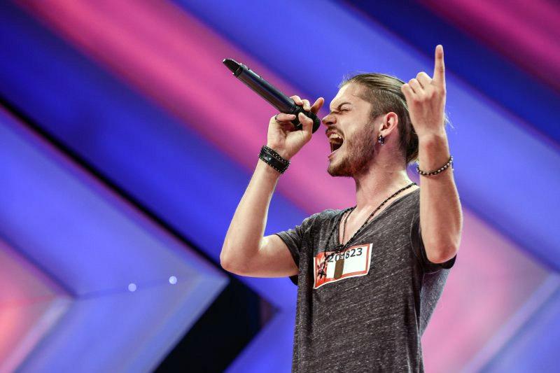 Alex Mațaev din Moldova concurează pentru trofeul X Factor