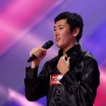 Chinezul Shuang Fang dă o notă exotică concursului X Factor, ca la Conservator
