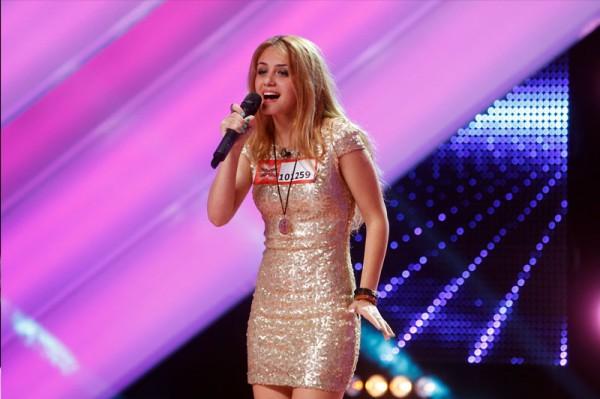 Francesca Pârvenescu, o prezență plăcută și o voce înaltă la X Factor 2013