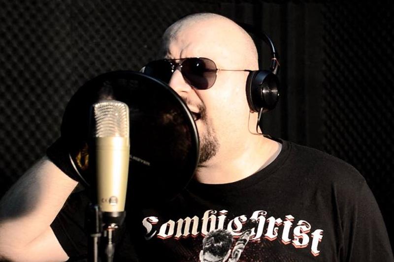 Cosmin Aioniță (9.7 RICHTER), vocea trupei SnakeyeS
