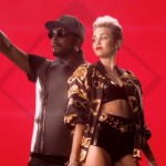 "Will i.am. și Miley Cyrus - ""Feelin' Myself"" (secvență videoclip)"