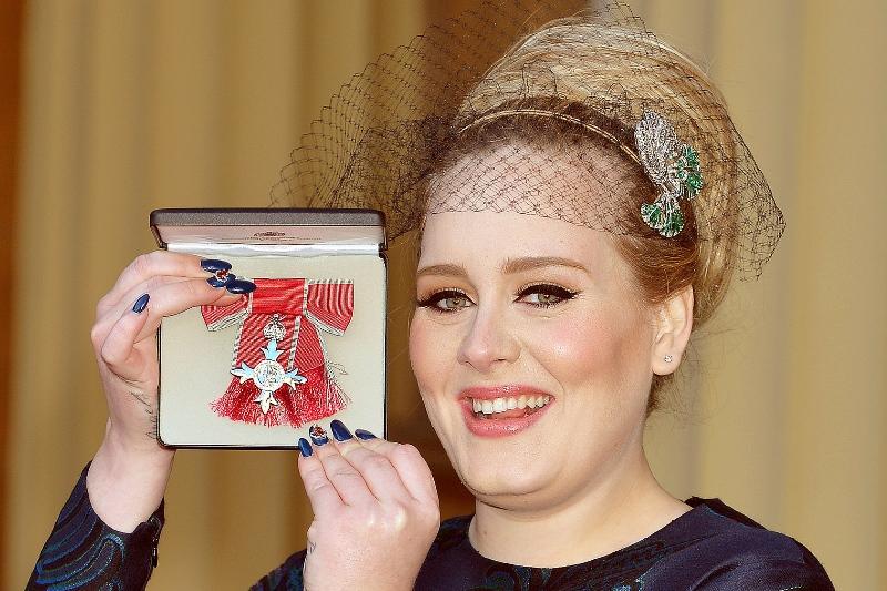 Adele, distinsă cu medalia Most Excellent Order of the British Empire