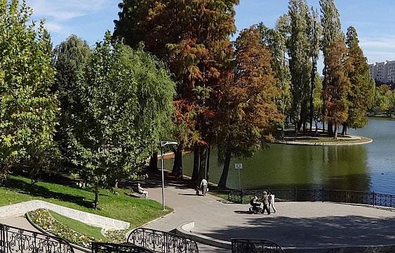 Parcul Titan din București
