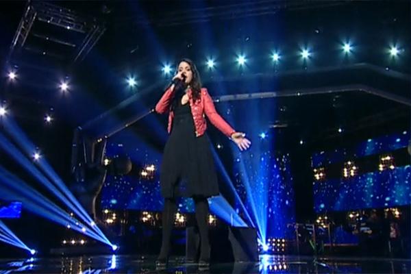 "După piesa de sezon ""Santa Clause Is Coming To Town"", Sânziana Niculae a schimbat registrul cu ""Georgia On My Mind"""