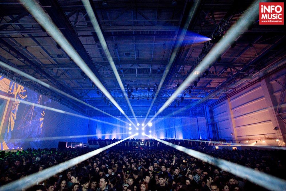 Hangarul ce a găzduit concertul Woodkid pe 5 decembrie 2013