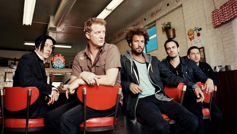 Queens of the Stone Age: Josh Homme, Troy Van Leeuwen, Dean Fertita, Michael Shuman, Jon Theodore