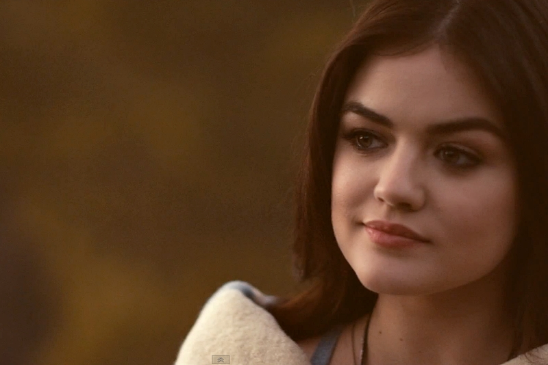 "Secvență videoclip Lucy Hale - "" You Sound Good to Me"""