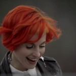 "Paramore - ""Ain't It Fun"" (videoclip)"