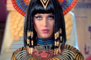 """Katy Perry - """"Dark Horse"""" (videoclip nou)"""