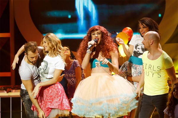 Te cunosc de undeva: Florin Ristei n-a avut probleme cu rolul în travesti (Elena Gheorghe)