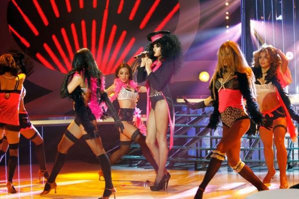 """Raluka, transformată în Cher la """"Te cunosc de undeva!"""""""
