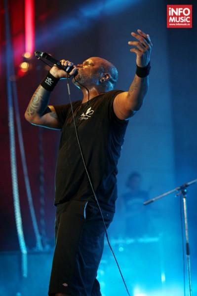 Derrick Green, solistul Sepultura, în concert la Metalhead Meeting pe 7 iunie 2014