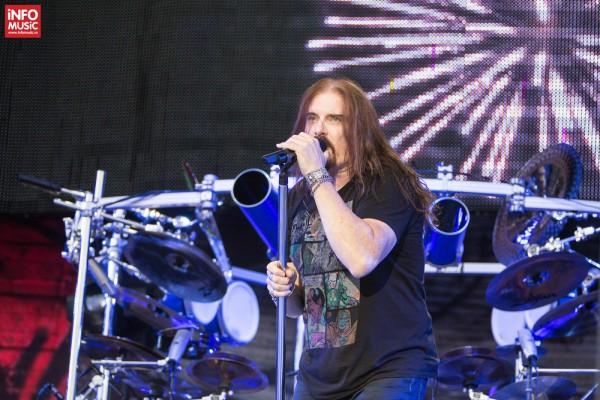Solistul James LaBrie în concertul Dream Theater de la Romexpo București pe 28 iulie 2014