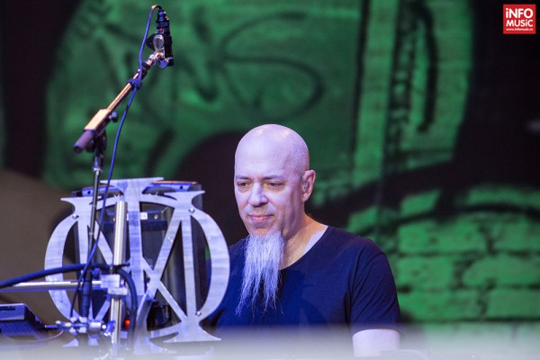 Clăparul Jordan Rudess în concertul Dream Theater de la Romexpo București pe 28 iulie 2014