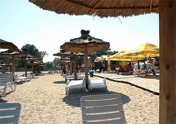 Plaja Legendary Beach Mamaia din Constanta