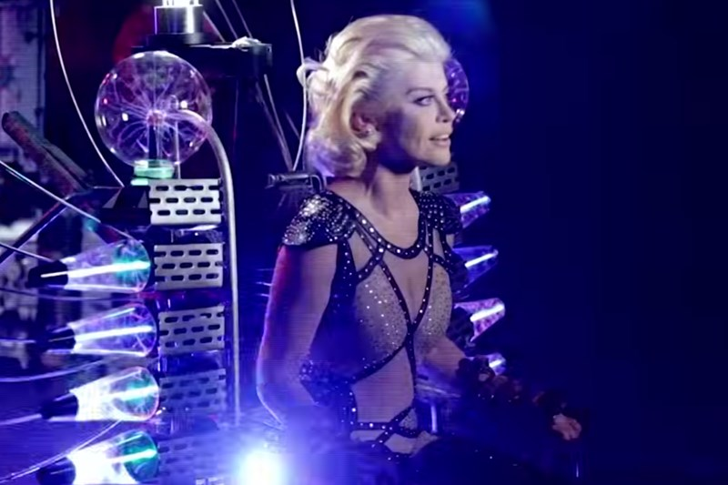 """Loredana - """"Risipitor"""" (secvență videoclip)"""