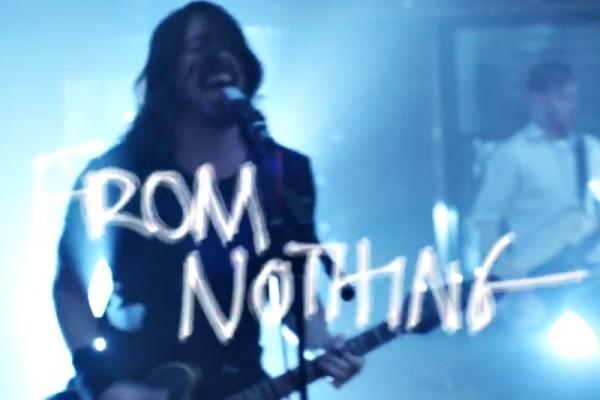 "Foo Fighters - ""Something From Nothing"" (secvență lyric video)"