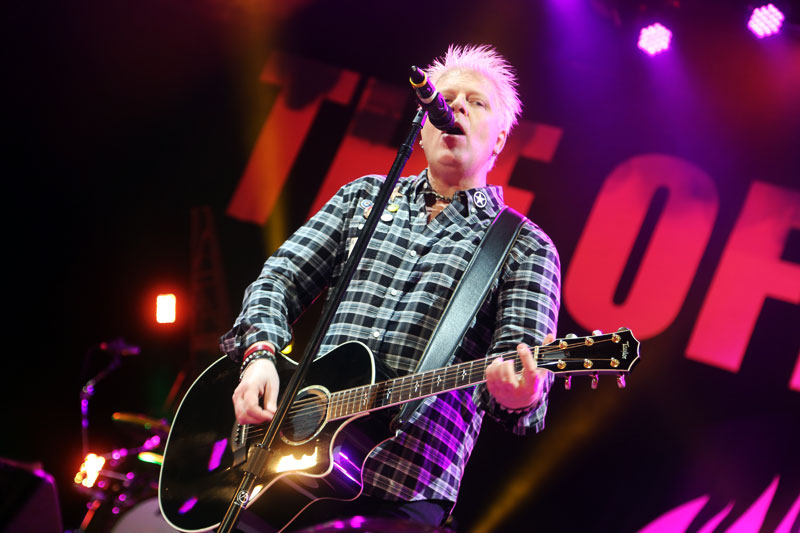 Dexter Holland, solistul The Offspring pe 29 iulie 2014 (Summer Nationals Tour, Pittsburgh)