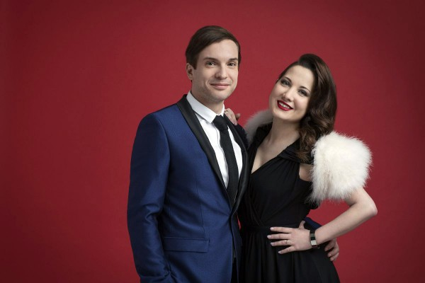 Electro Velvet (Alex Larke și Bianca Nicholas)
