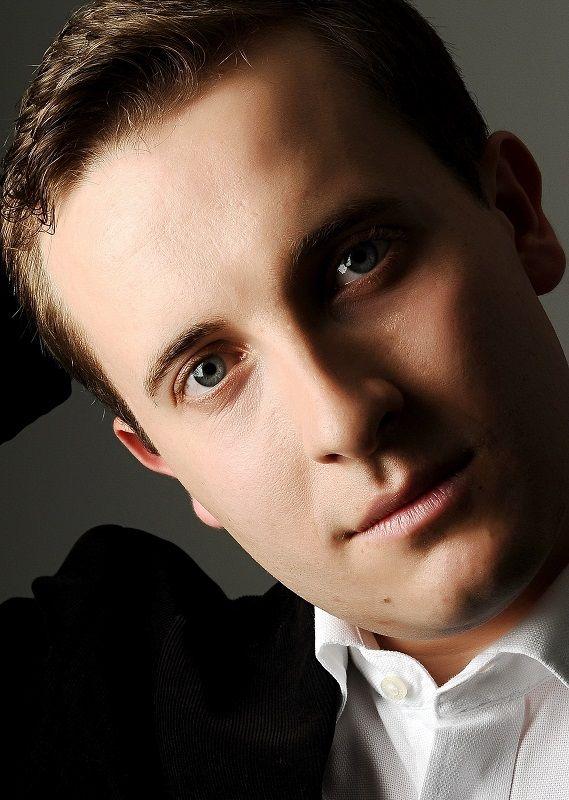 Afiş concert Ben Schoemann la Villa Concerto Mogoşoaia pe 28 apirilie 2015