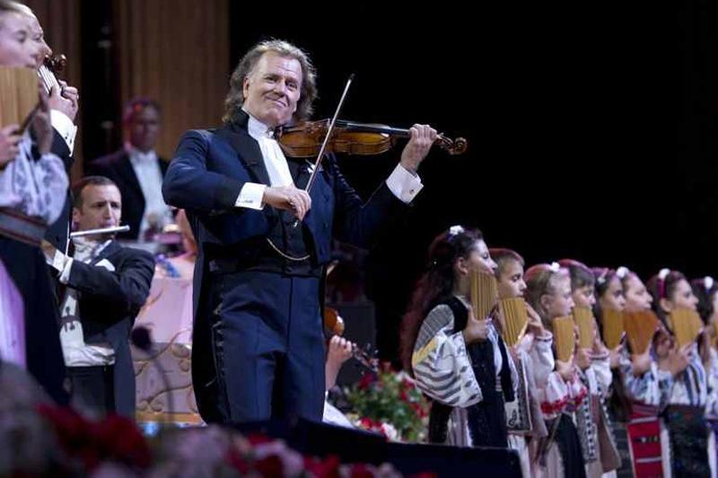 André Rieu a cântat alături de Gheorghe Zamfir în concertele de la București