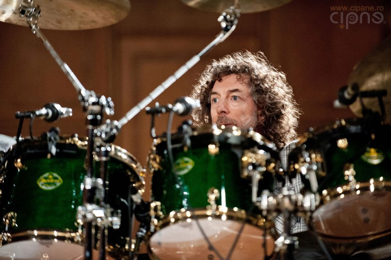 Bateristul Simon Phillips (2012)