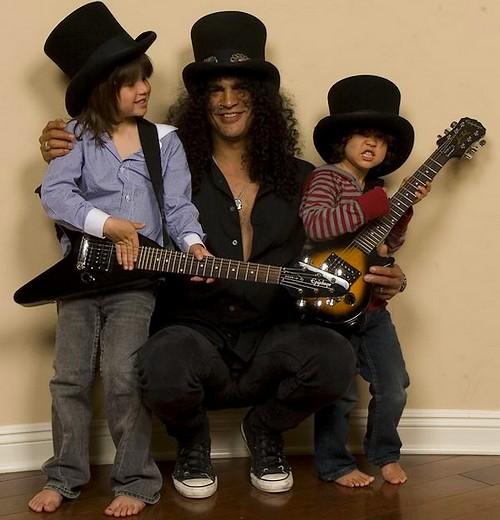 Slash şi cei doi copii ai săi - Cash şi London