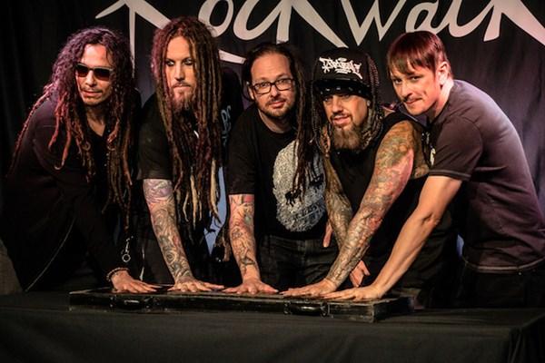 Korn la ceremonia de introducere în RockWalk, în 2013