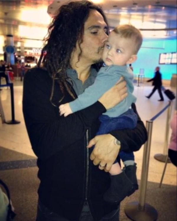 Munky împreună cu fiul său, D'Angelo DraXon Shaffer