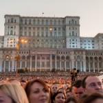 Publicul venit la concertul Robbie Williams