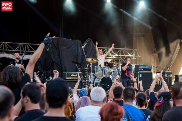 Concert Implant pentru refuz în deschidere pentru KoRn la București pe 3 august 2015