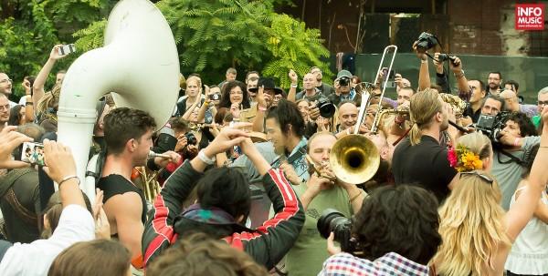 Lemon Bucket Orkestra la Balkanik Festival 2015