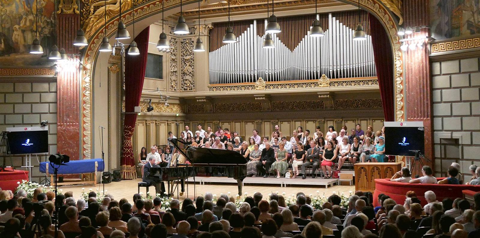 Murray Perahia în recital la Ateneul Român în cadrul Festivalului George Enescu