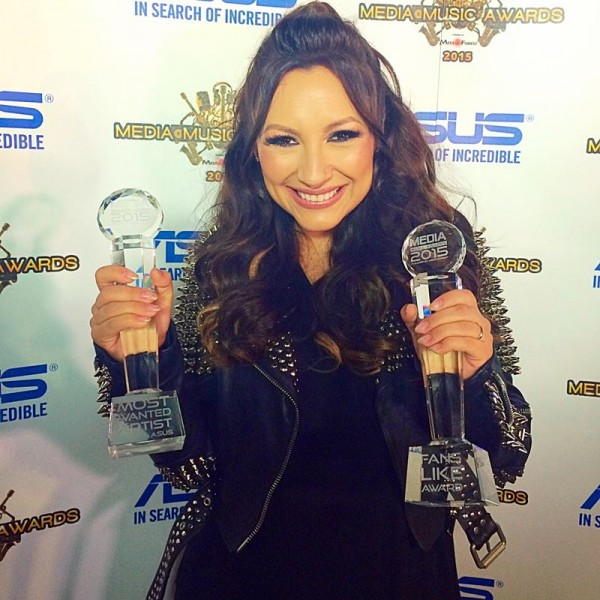 Andra la Media Music Awards 2015