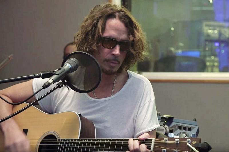 "Chris Cornell cântând live ""Nothing Compares 2 U"""