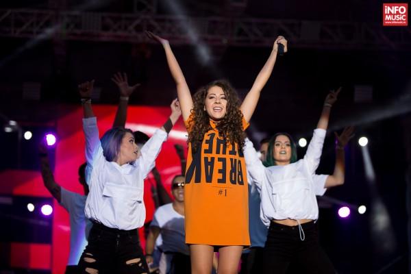 Nicole Cherry în concert la Media Music Awards 2015